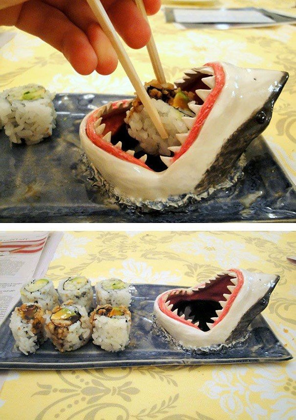 Чаша для соуса в виде акульей головы