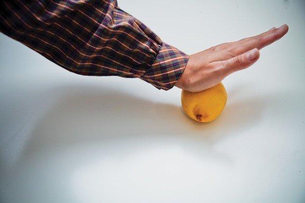 Как выжать много сока руками